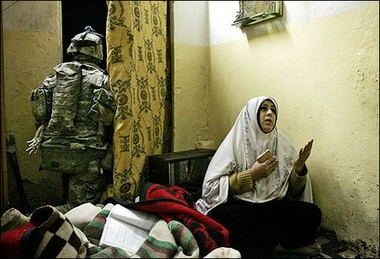 Iraq Woman Praying