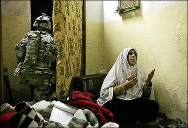 Iraq Woman Praying