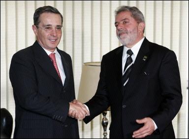 El presidente Uribe sigue confiando en la ayuda de Brasil para enfrentar la crisis global