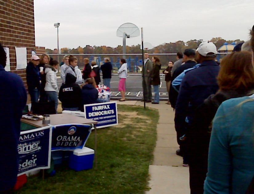 fila para votar.jpg