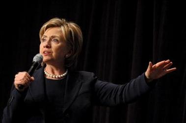 Hillary  no sabe que hacer con las licencias