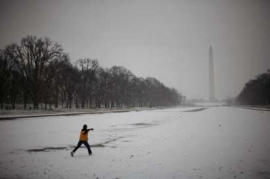 Nieve en el Monumento Washington, Reuters